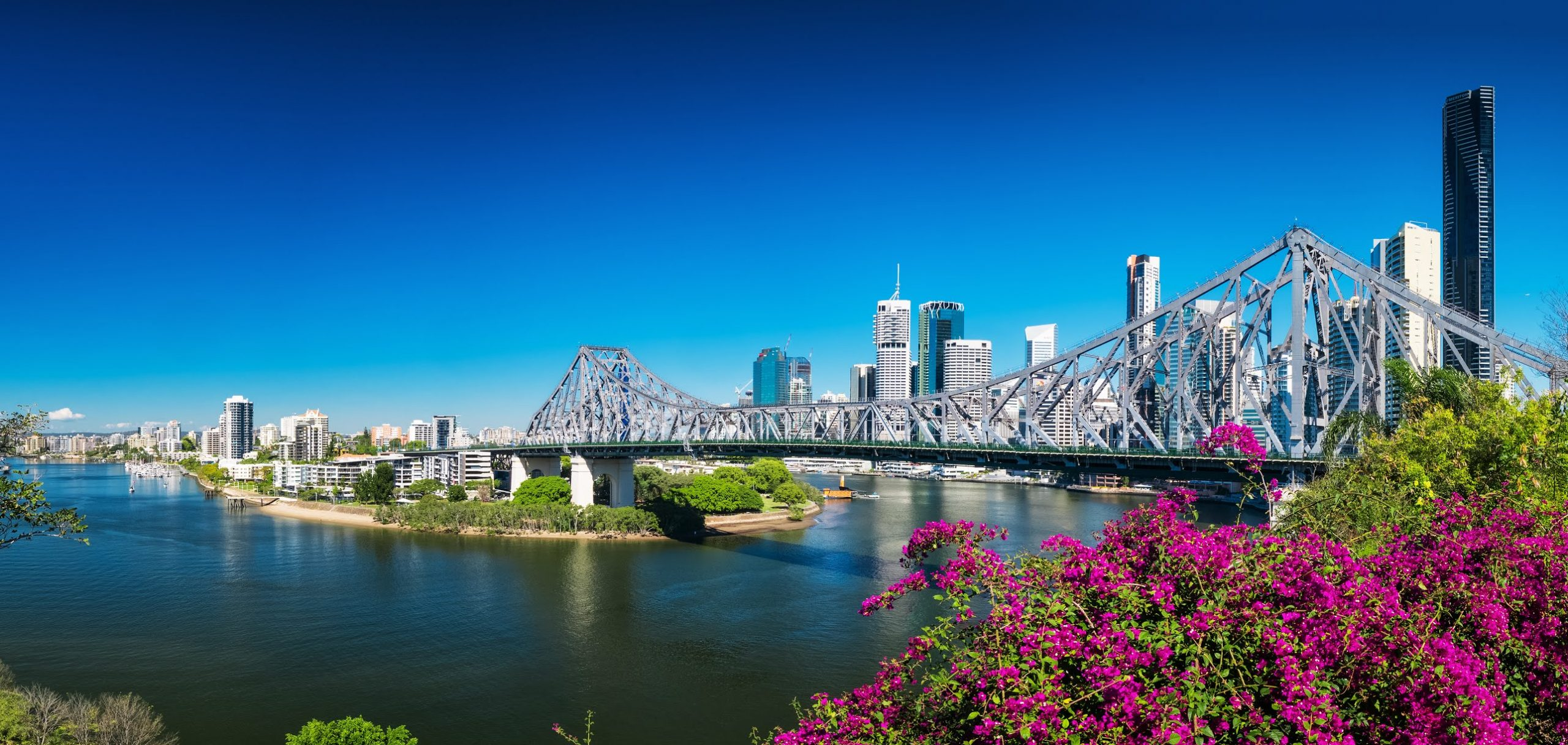 Story Bridge in daylight